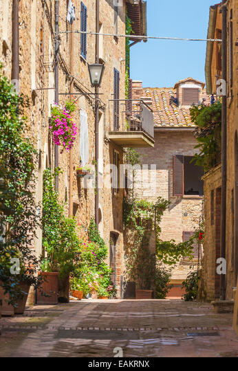 Sunny streets of Italian city Pienza in Tuscany - Stock Image
