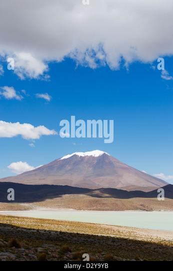 Licancabur mountain, Laguna Hedionda, Bolivia, South America - Stock Image