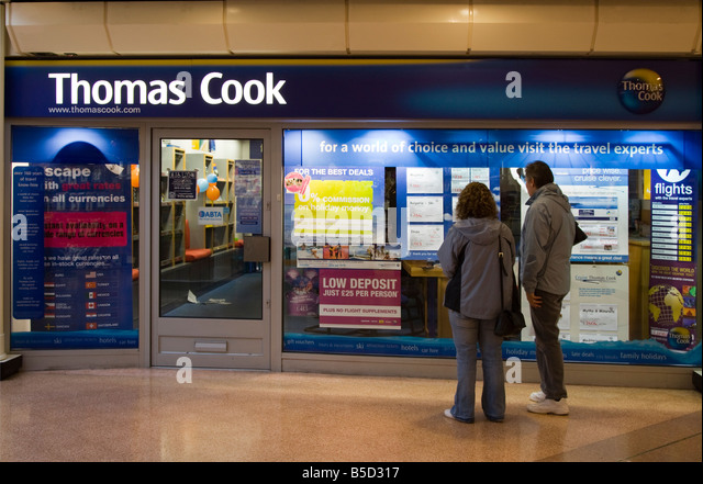 Thomas Cook Travel Agent Hale Leys Shopping Centre Aylesbury Buckinghamshire - Stock-Bilder