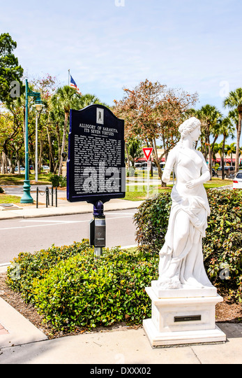 Historical Plaques and Greek and Roman Statues surround St Armands Circle nr Sarasota FL - Stock Image