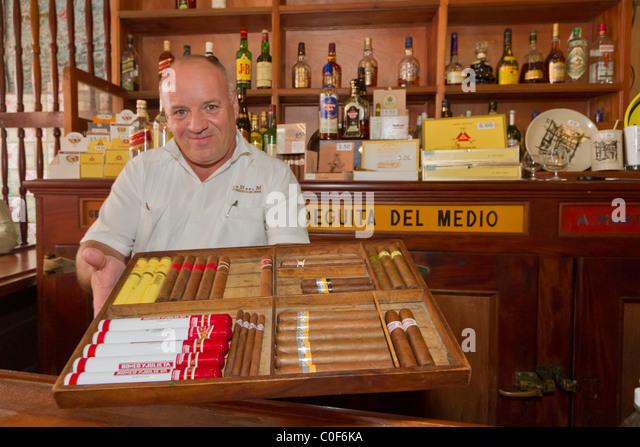 La Bodeguita del Medio, Havanna Viejo, Hemingway Bar in Havanna, Cuba, - Stock-Bilder