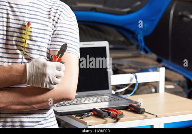 Diagnostics vehicle stock photos diagnostics vehicle for Garage diagnostic auto