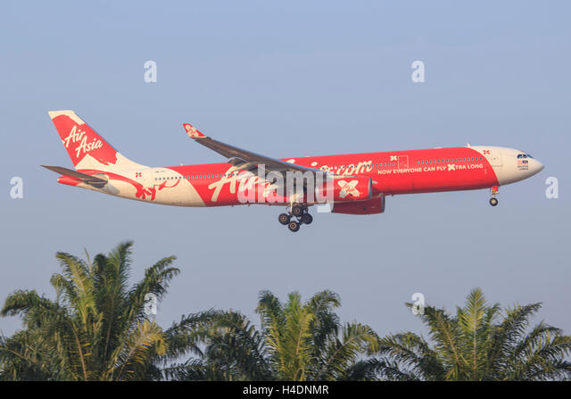the background of air asia malaysia Provides passenger air transportation services airasia bhd engages in the provision of air transportation services through its subsidiaries, it operates through the following geographical.