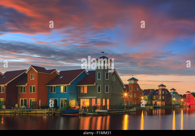Colourful houses at Reitdiephaven, Groningen, Netherlands - Stock-Bilder