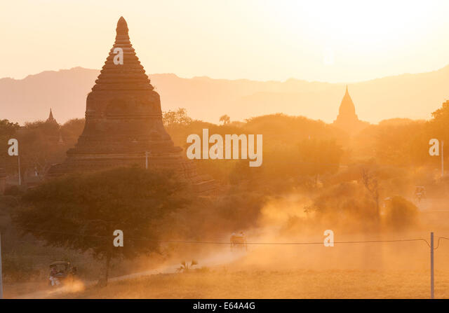 Ancient temple city of Bagan (also Pagan) at sunset, Myanmar (Burma) - Stock-Bilder