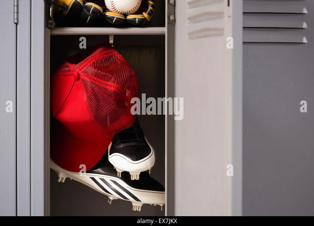Baseball equipment in locker - Stock-Bilder