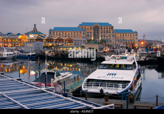 south africa cape town Victoria Albert waterfront pier table bay hotel twilight - Stock Image