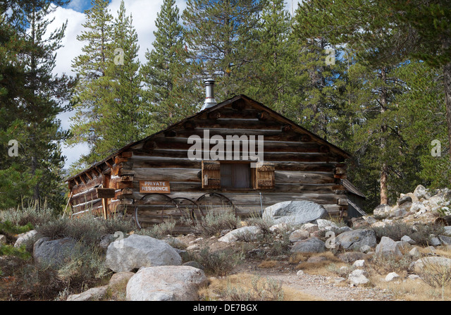 Chinking stock photos chinking stock images alamy for Chinking log cabin