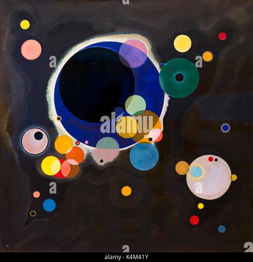 Several Circles, by Vasily Kandinsky, 1926, Solomon R. Guggenheim Museum, Manhattan, New York City, USA, North America - Stock Image