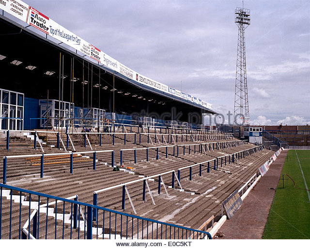 Portsmouth football club stock photos portsmouth for 67 park terrace east