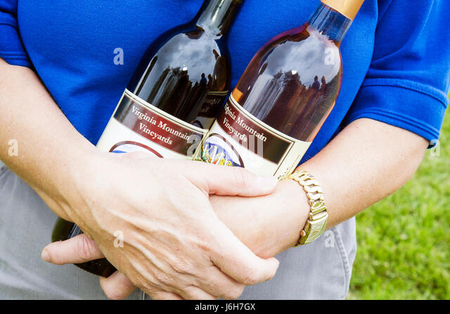 Virginia Fincastle Virginia Mountain Vineyards bottles wine - Stock Image