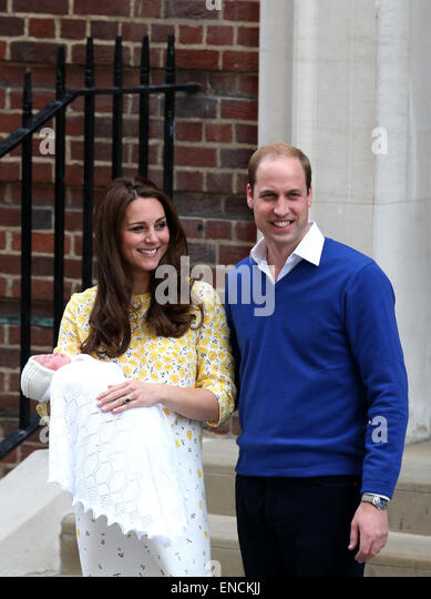 London, UK. 2nd May, 2015. The newborn baby girl makes her first appearance to the public with the Duke of Cambridge - Stock Image