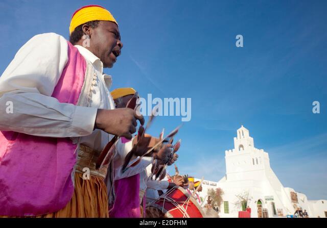 Tunisia, Jerba, Guellala village, Museum, traditional dance and folk music - Stock Image
