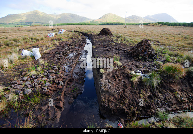 Peat exploitation, N59, County Galway, Province of Connacht, Ireland - Stock-Bilder