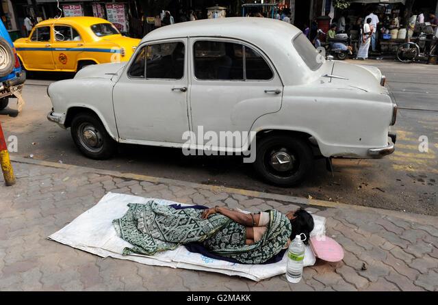 INDIA Westbengal, Kolkata, homeless people / INDIEN, Westbengalen, Kolkata, Obdachlose - Stock-Bilder