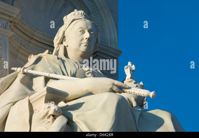 Queen Victoria, a detail from the Queen Victoria Monument, The Mall, London, England, United Kingdom, Europe - Stock Image