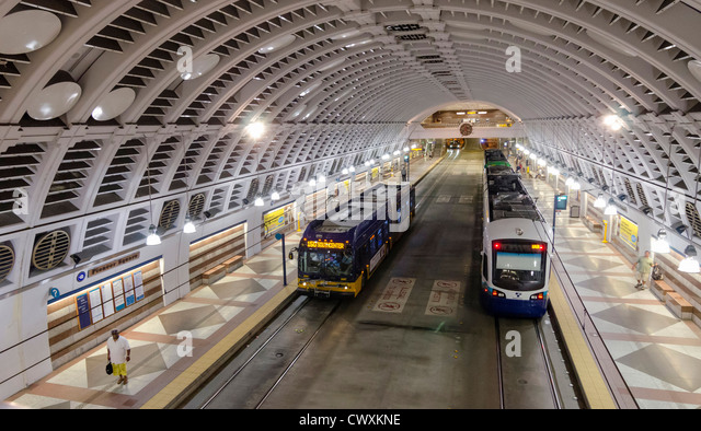 Trains at Pioneer Square underground station, Seattle, USA - Stock Image