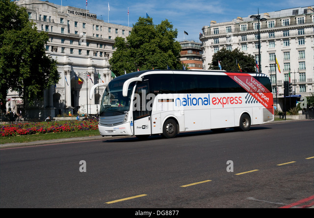 how to get from luton airport to victoria station