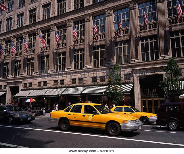 Saks Fifth 5th Avenue Stock Photos Amp Saks Fifth 5th Avenue