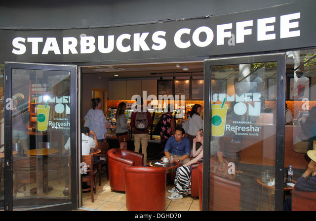 Paris France Europe French 8th 9th arrondissement Place du Havre Starbucks Coffee front entrance - Stock Image