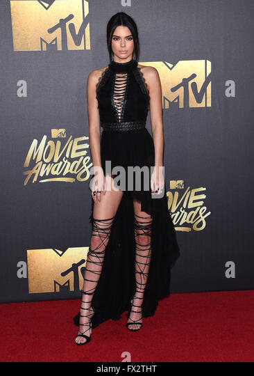Burbank, California, USA. 9th Apr, 2016. Kendall Jenner arrives for the Mtv Movie Awards 2016 on the Warner Brothers - Stock Image