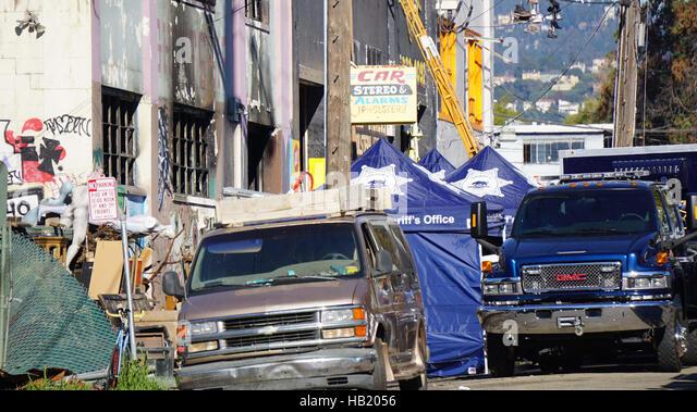 Oakland. 3rd Dec, 2016. Photo taken on Dec. 3, 2016 shows the affected warehouse in Oakland, east of San Francisco. - Stock-Bilder