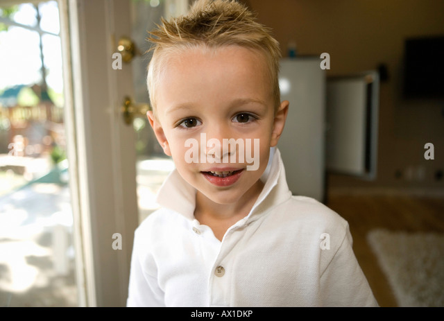 Young boy Smiling at Camera - Stock-Bilder