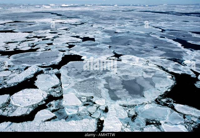 pack ice in the Weddell Sea Antarctica Antarktis Eis Eisfelder Eislandschaften Eisschollen Kaelte Landschaften Meer - Stock-Bilder