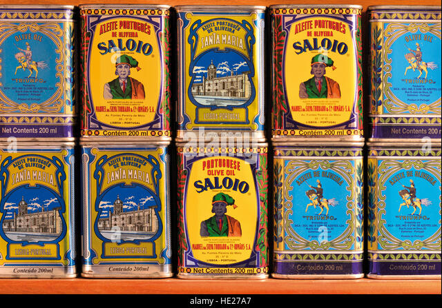Traditional portuguese olive oil  brands in nostalgia tin cans - Stock-Bilder