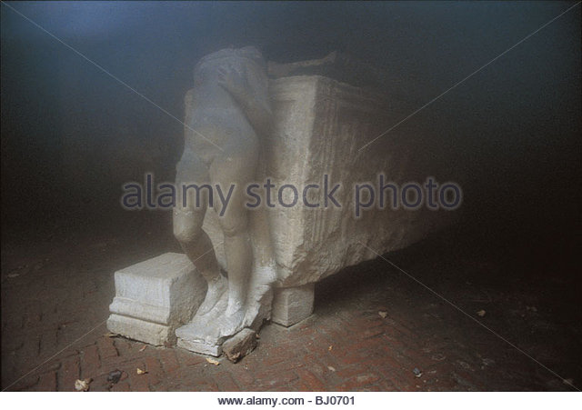 Statue in the Courtyard of Palazzo Van Axel, Venice, Italy - Stock-Bilder
