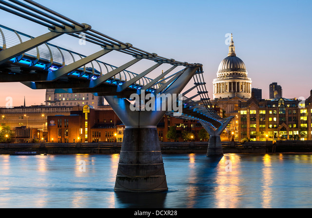 England, London Millennium Footbridge and St. Paul's Cathedral - Stock Image