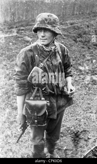 Soldier of the Weapon-SS on the Eastern Front, 1941 - Stock-Bilder