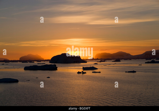 Sunrise on ice in the Antarctic Sound, The Antarctic Peninsula, Antarctica, Polar Regions - Stock-Bilder
