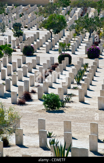 Egypt, El Alamein World War 2 Commonwealth Cemetery with lines of white tombstones, - Stock Image