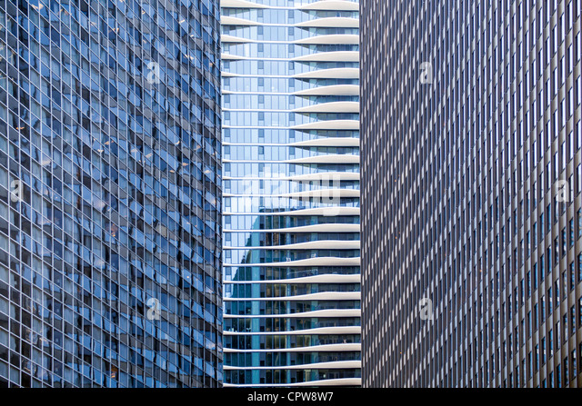 City office building - buildings in downtown Chicago - Stock Image
