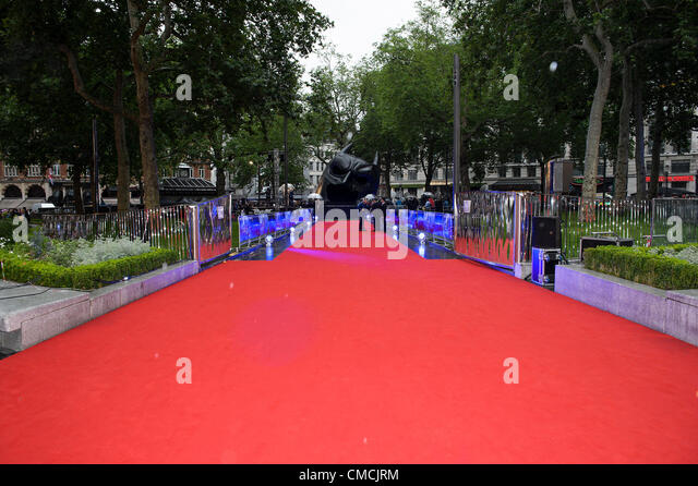 The red carpet and giant Batman 'Cowel' at the European Premiere of The Dark Knight Rises on 18/07/2012 - Stock Image