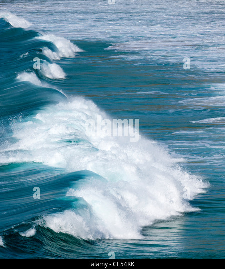 Breaking Atlantic wave off the coast of West Cornwall - Stock-Bilder