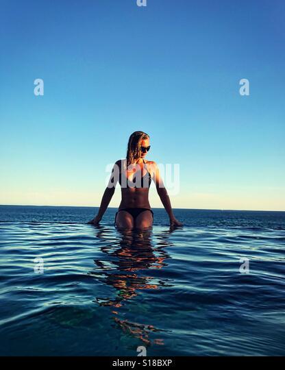 Infinity pool - Stock-Bilder