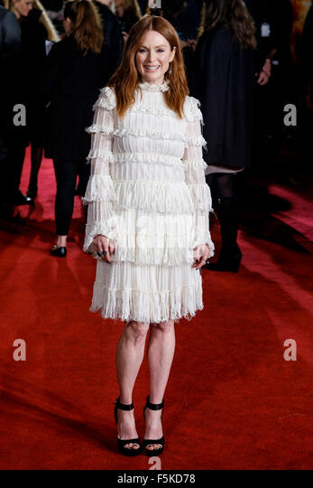Julianne Moore attends the UK Premiere of The Hunger Games: Mockingjay - Part 2 on 05/11/2015 at ODEON Leicester - Stock Image