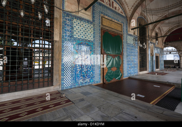 Iznik tilework on the exterior, Mosque of Rustem Pasha, Tahtakale, Istanbul, Turkey - Stock Image