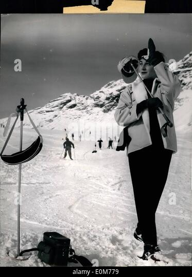 Nov. 11, 1953 - The first snow!.: already many ski-fanatics turned round the Eugapitze during the last week end. - Stock Image
