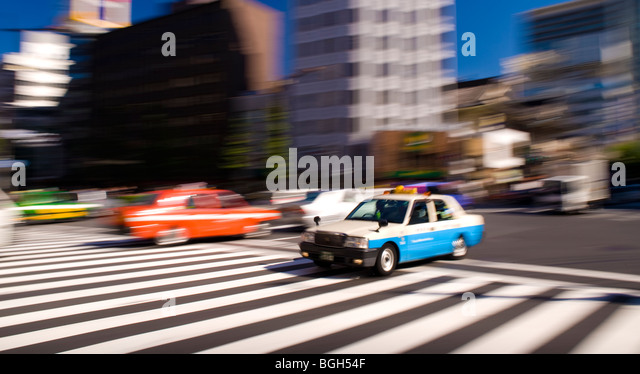 Traffic on Harumi-Dori, Ginza, Tokyo, Japan - Stock Image