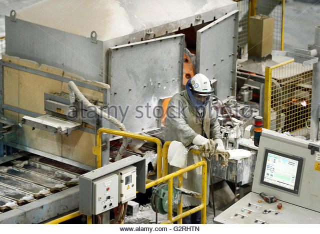 Al khair stock photos al khair stock images alamy for Aluminum kitchen cabinets saudi arabia