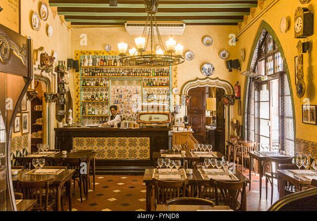 El Quatre Gats Old bodega interieur, Barri Gotic, Barcelona - Stock Image