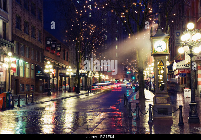 The Steam Clock at night on Water Street, Gastown, Vancouver, British Columbia, Canada, North America - Stock Image