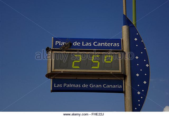 Thermometer, Playa de las Canteras, Las Palmas, Gran Canaria, Canary Islands. - Stock Image