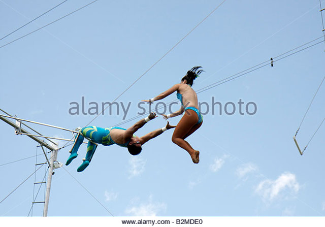 Wisconsin Kenosha Kenosha County Fairgrounds The Ultimate Kid Fest family event swinging flying trapeze act performance - Stock Image