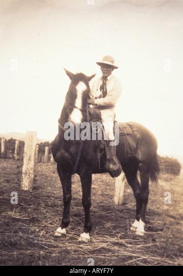 Archival photograph of Yutaka Kimura, the ìWaimea Cowboy,î on horseback - Stock-Bilder