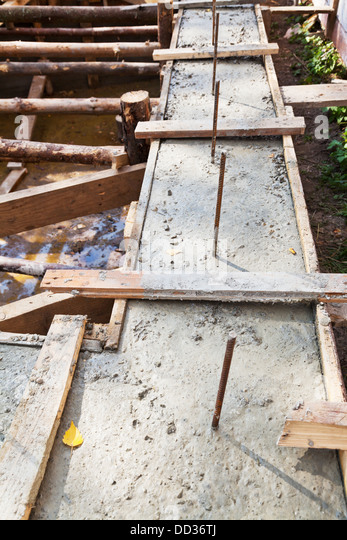 Formwork stock photos formwork stock images alamy for Best temperature to pour concrete foundation