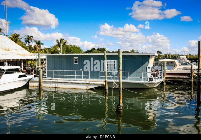 Lake Town Wharf Restaurant